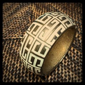 Jewelry - Metallic and Off White Chunky Bracelet